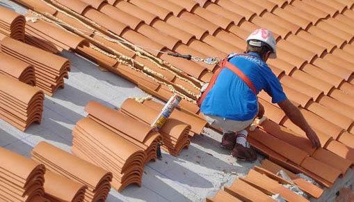 Reparación de tejado de tejas