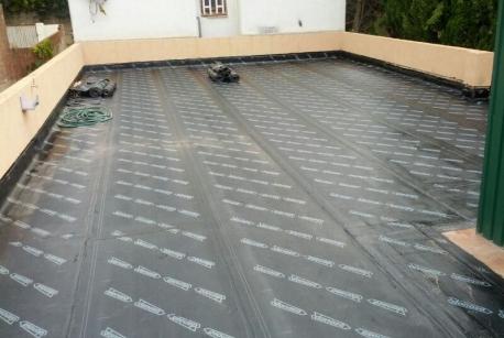 Terraza con tela impermeabilizante