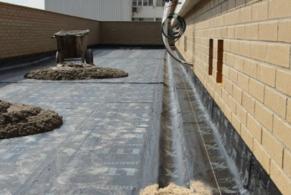 Hospitalet de Llobregat > Col·locació d'un sistema bicapa polimèric a una terrassa de nova construcc