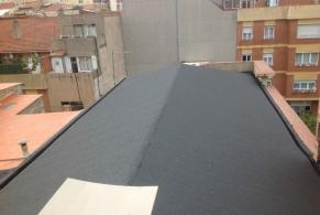 Cardedeu > Impermeabilización de una cubierta inclinada de madera